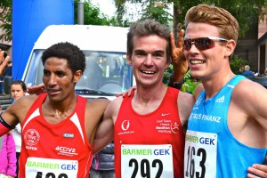 v.l.n.r. Petros Amanal, Arne Gabius, Philipp Pflieger - Leichtathletik (2.,1.,3. - DM 10km Straßenlauf 2015)